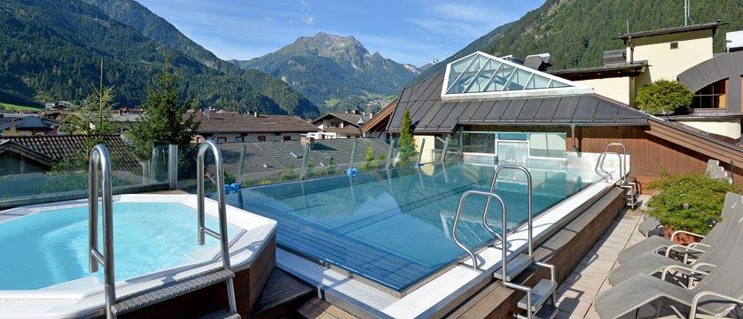 Sporthotel Manni's, Mayrhofen, Austria -  Outdoor pool.jpg